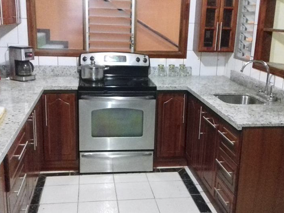 mueble de cocina fabricado en melamina.